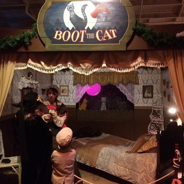Meow ! Dickens Fair ?