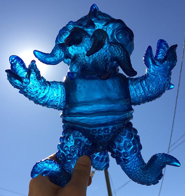 Kaiju TriPus (2.0) Clear medium BLUE Sofubi unpainted