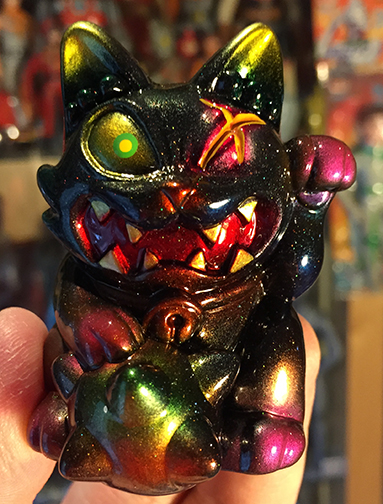 Javier Jimenez Maneki Wananeko custom Yellow eye version painted by Mark Nagata
