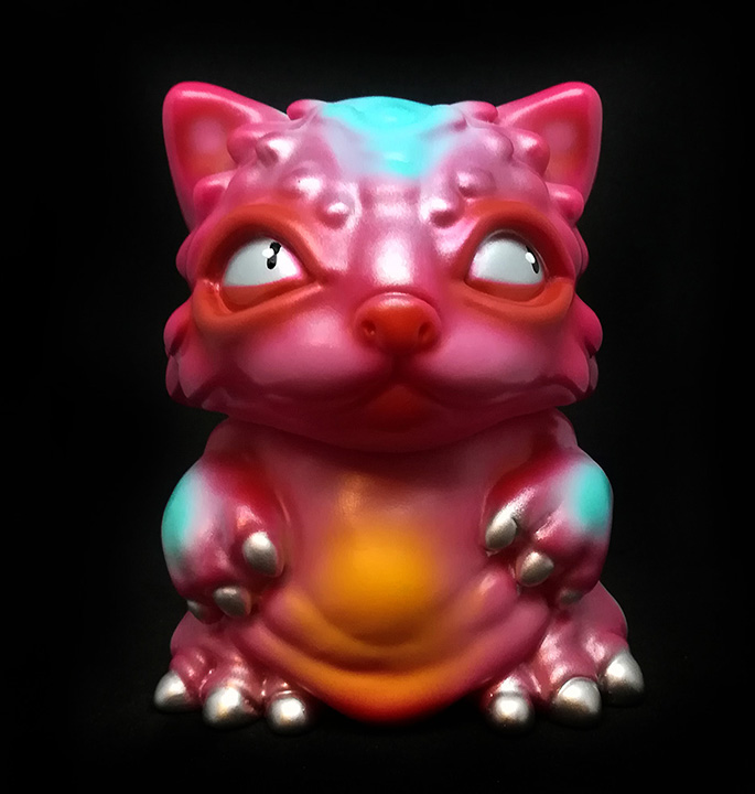 Chubz the Cat show UHOH toys Red sprays