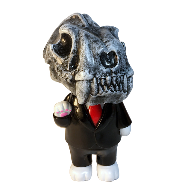 Don Smiles Sabertooth Skull Mark Torres x Max Toy kaiju