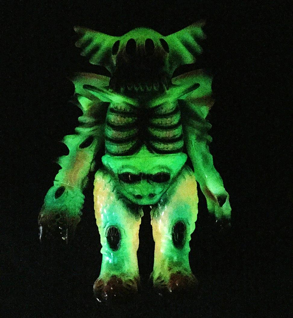 Custom painted Arakus Magitarius Mark Nagata paints Glow in Dark