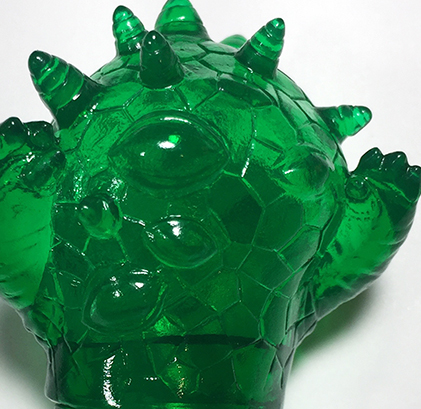 Micro Kaiju Eyezon clear Green sofubi monster