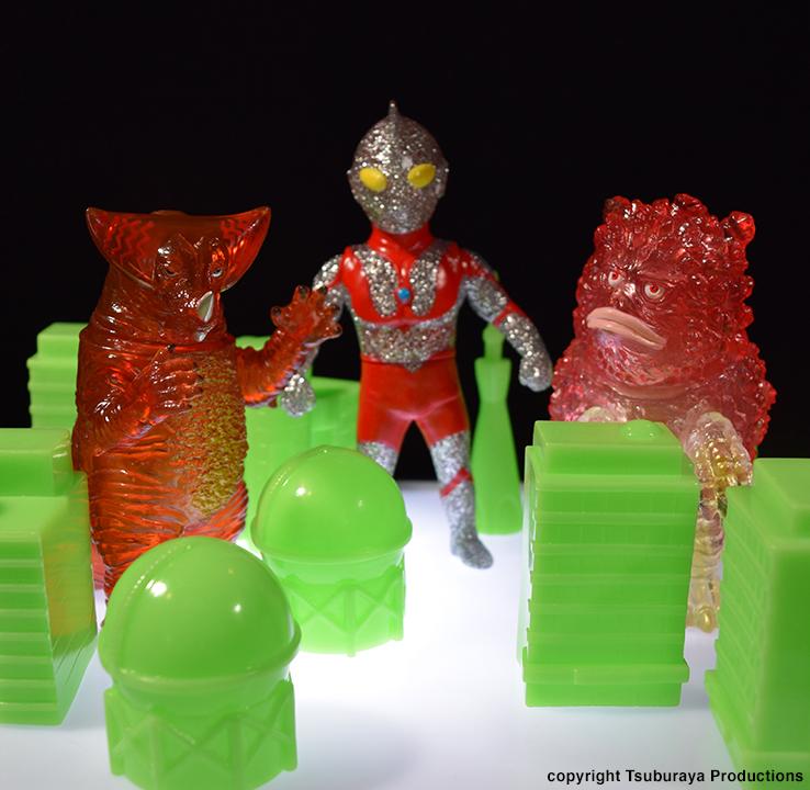 Kaiju Battle Glow in Dark Building set sofubi