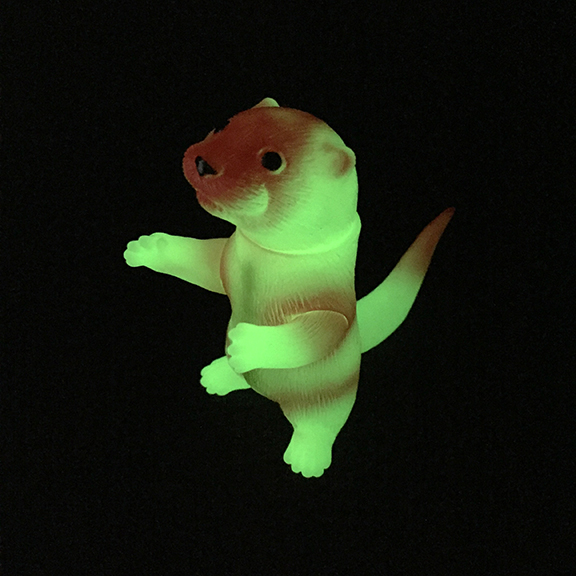 Ollie Otter Glow in Dark Red cute sofubi