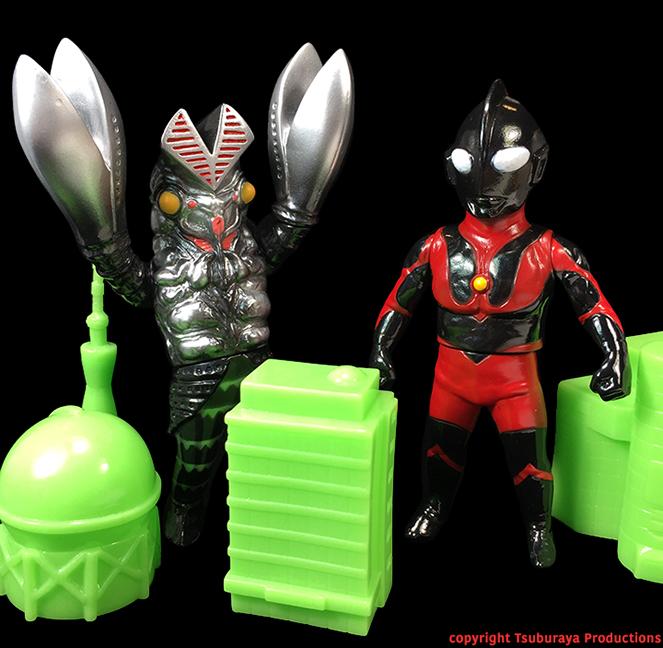 Alien Baltan Dark version Tsuburaya Productions x Max Toy