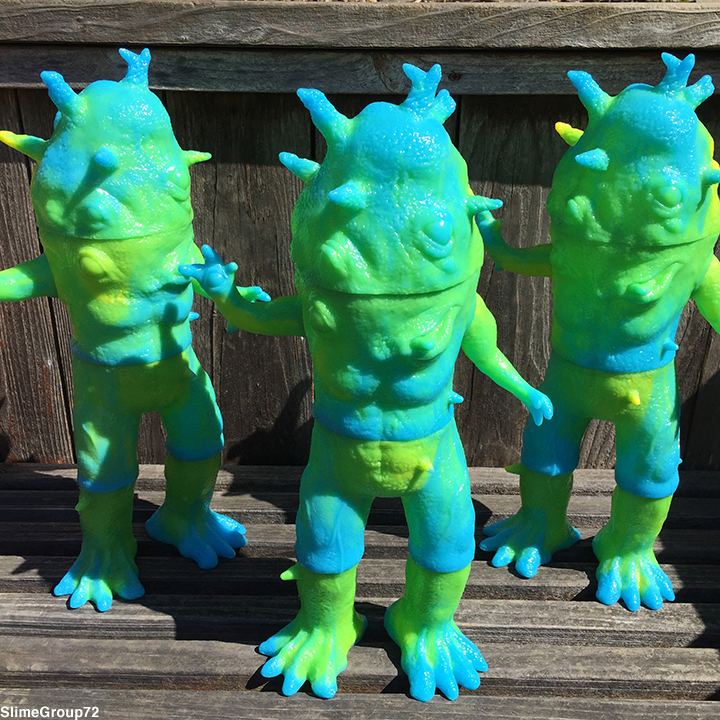 Slime Kaiju Eyezon Giant sized Max Toy x Squibbles Ink / EW factory